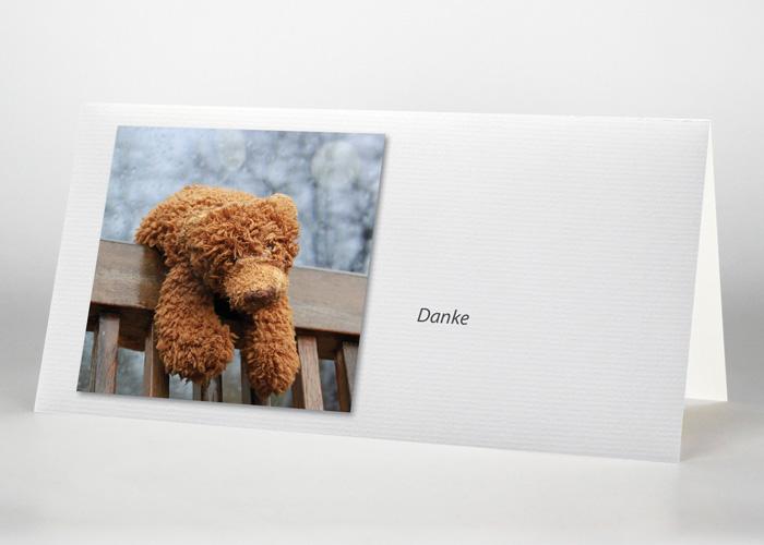 Teddy auf einer Lehne - Danksagungskarte Motiv F-48