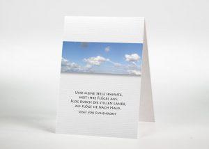 Blauer Himmel mit Wolken - Sterbebildchen Motiv F-03