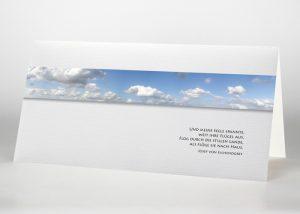 Blauer Himmel mit Wolken - Trauerkarte Motiv F-03