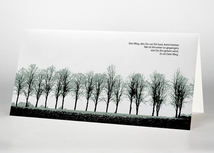 Eine Reihe von Laubbäumen - Trauerkarte Motiv F-08